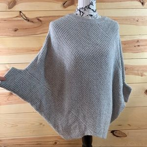 Romeo + Juliet Couture grey knit poncho sweater M